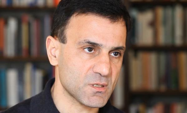 Λαπαβίτσας: Το πρόγραμμα του ΣΥΡΙΖΑ είναι λογικό αλλά του λείπουν 20 δισ. ευρώ...