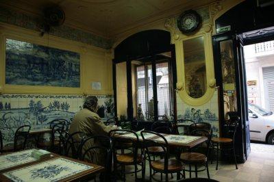 lisbon-cafe-interior
