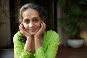 ArundhatiRRoyA008_MO84