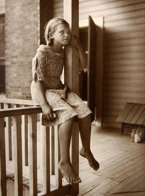 Eudora Welty, Child on Porch, Mississippi, 1935