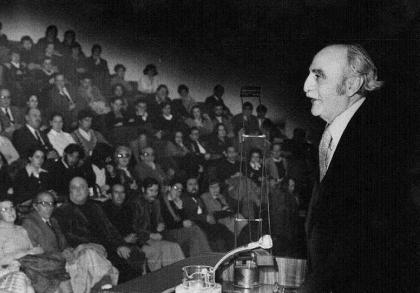 Conferencia de Francisco Ayala en el auditórium del Banco de Granada