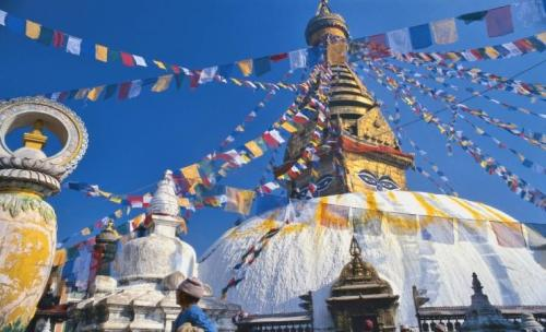 prayer-flags-at-swayambunath,-kathmandu_